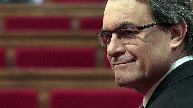 Mas, a «Le Monde»: «Pertenecemos al Estado español por la fuerza desde hace 300 años»