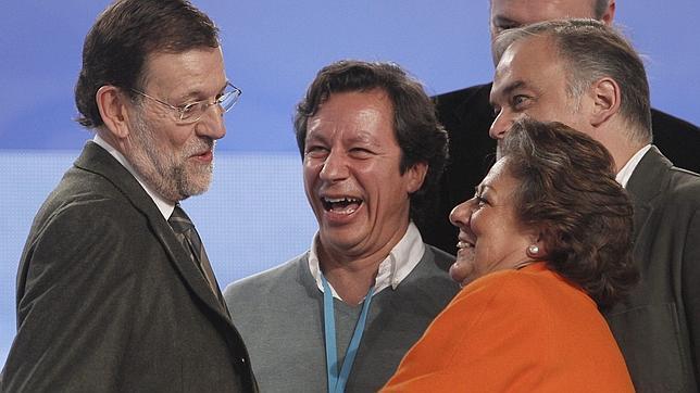 Rajoy sorprende con su alineación en el PP: Cospedal, secretaria general; Pons, Floriano y Arenas, vicesecretarios
