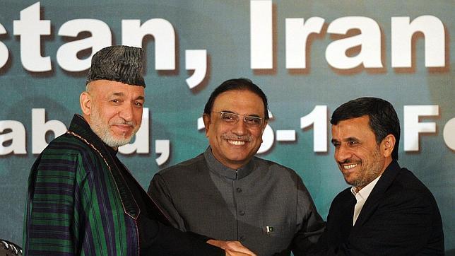 Karzai pide a los talibanes una negociación de paz directa