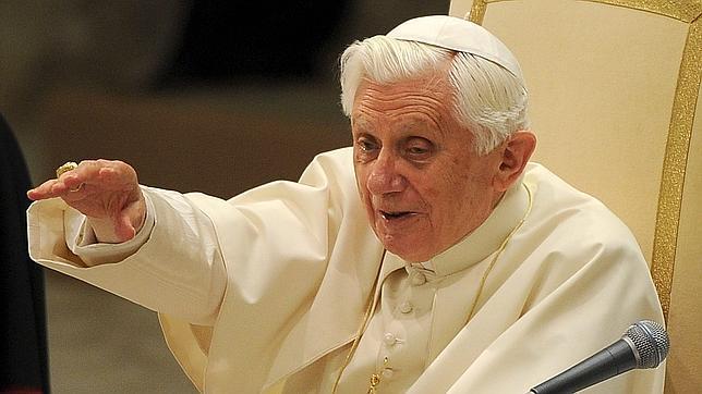 El Papa recibió la ceniza que marca el camino hacia la Semana Santa