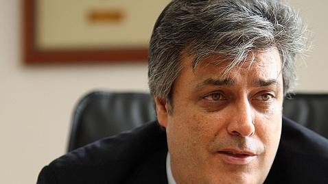 «El PSOE bajó un 5% el sueldo de todos los funcionarios y ahora es irresponsable»