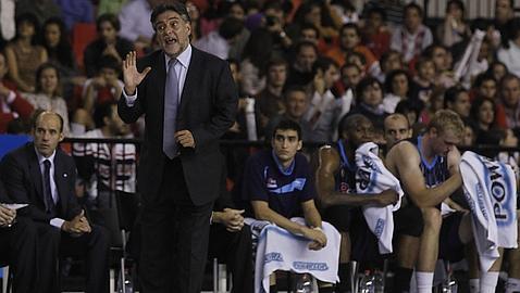 Pepu Hernández deja de ser entrenador de Estudiantes