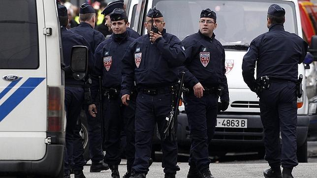 Francia pidió a España datos del asesino, que fue detectado en Cataluña