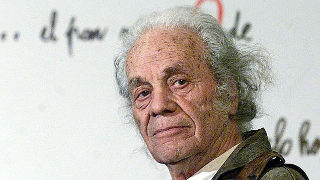El poeta chileno Nicanor Parra no vendrá a España para recibir el Premio Cervantes