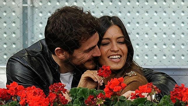 Sara Carbonero desmiente su inminente boda con Iker Casillas