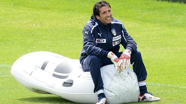 Buffon, bajo sospecha en Italia
