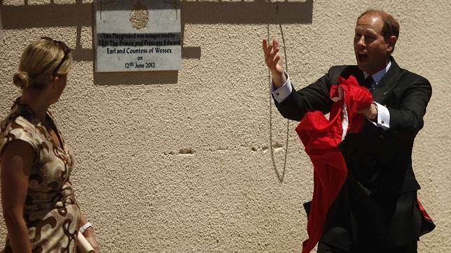 El Rey visitará a los guardias civiles que protegen a los pesqueros en Gibraltar