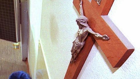 El CGPJ archiva el expediente a un juez de Lérida por tener un crucifijo en la sala
