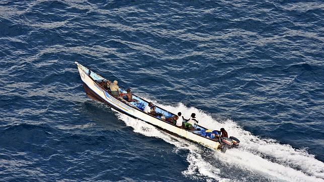 Detectan contactos para vender en España petróleo robado por piratas somalíes