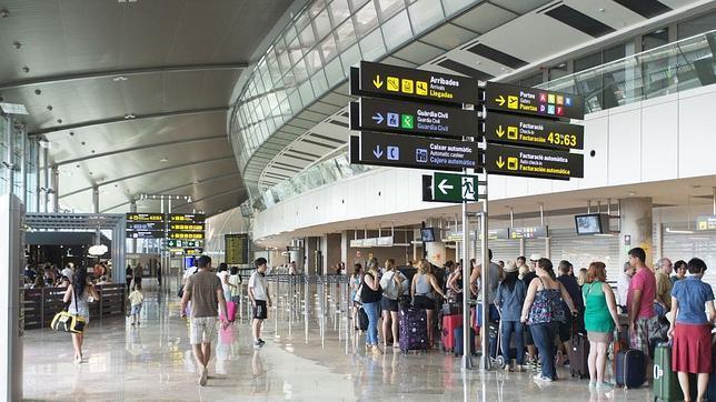La nueva terminal T2 del Aeropuerto de Valencia entra en servicio