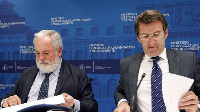 Arias Cañete rechaza la petición del sector de aplicar al pescado el IVA «superreducido»