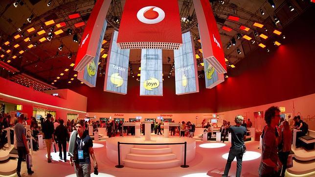 Vodafone estudiaría la compra de Yoigo si ésta se pusiera en venta