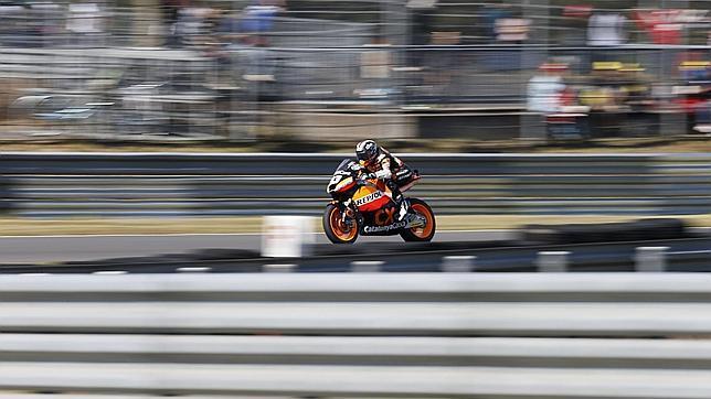 Márquez remonta treinta puestos y consigue una victoria de campeonato