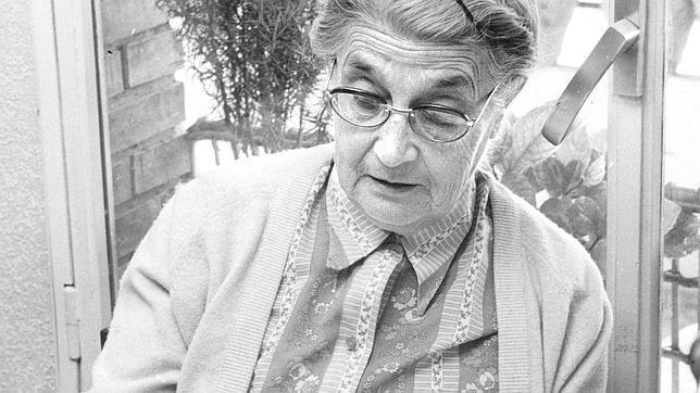 María Moliner, la mujer que resucitó la palabra «diccionarista»