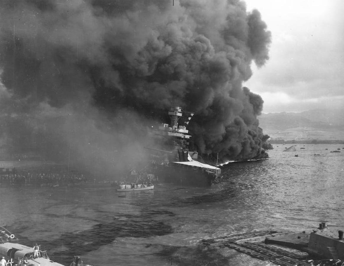 El objetivo de Japón con el ataque a Pearl Harbor buscaba neutralizar la Flota del Pacífico de los EE.UU. y así proteger su avance en la Malasia británica y en las Indias Orientales Neerlandesas