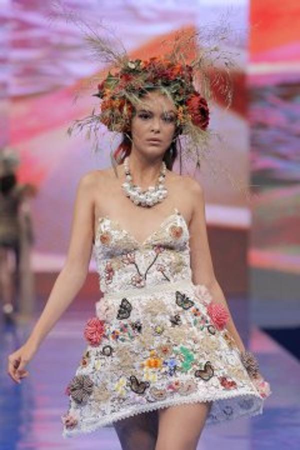 1.Vestido bordado de Virginia Vald
