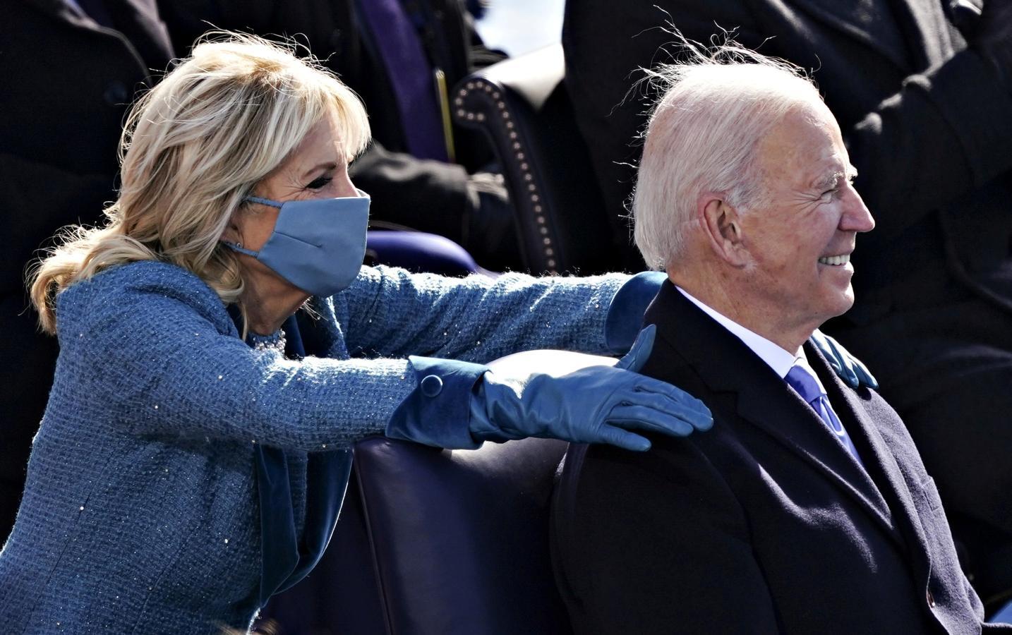 Jill Biden junto a su esposo, Joe, nuevo presidente de Estados Unidos