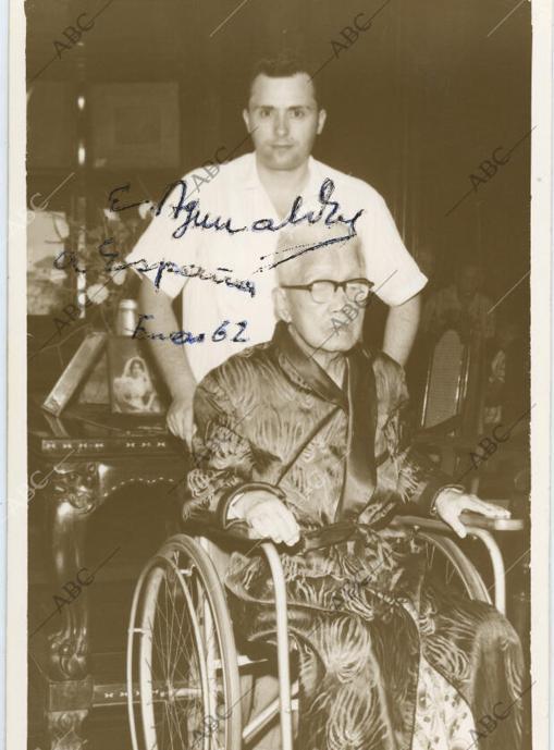 Una fotografía que Aguinaldo, ya en silla de ruedas, dedicó a España