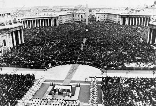 Inauguración del pontificado de Juan Pablo II. Vista general de la Plaza de San Pedro