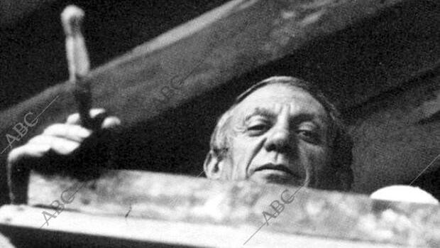 Picasso, pintando el Guernica