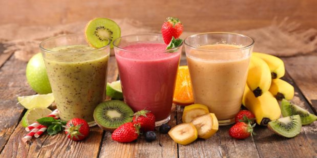 Batidos y smoothies frescos para no pasar calor este verano