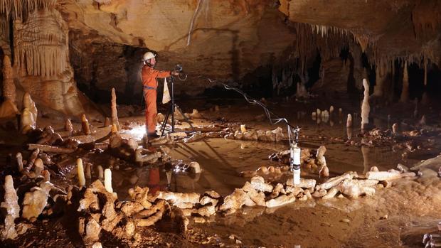 Imagen de la cueva de Bruniquel, en Francia