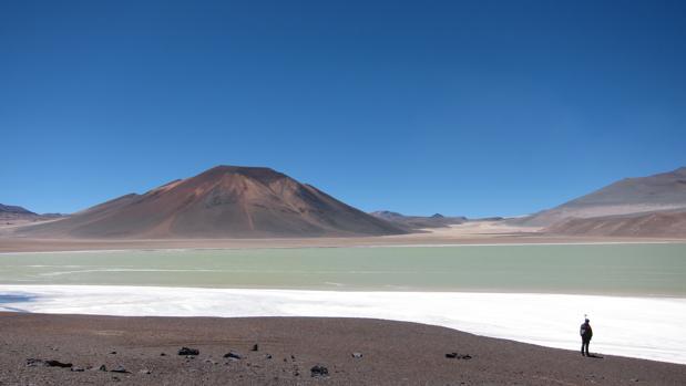 Los científicos aún no saben qué fenómeno ha causado la subida del terreno en el Complejo Volcánico Altiplano-Puna, en los Andes centrales, pero no se cree que se trate de un súper volcán