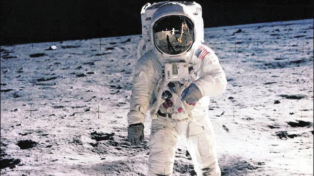 El programa ARTEMISA anticipado por Parravicini y la llegada del Hombre a la Luna  4943680-kyRG--620x349@abc