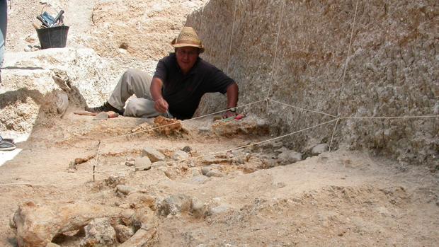 Mohamed Sahnouni, responsable del proyecto, durante los trabajos en Ain Hanech