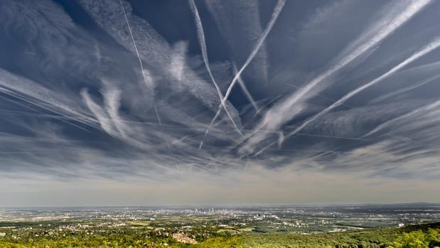 Los famosos «chemtrails», estelas de condensación de los aviones
