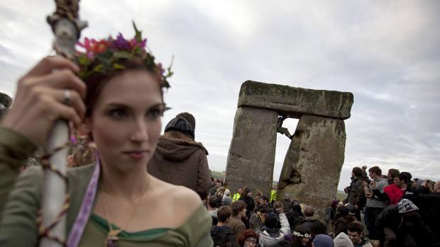 Fiesta por el solsticio de verano en una imagen de archivo. En la prehistoria las montaban aún más grandes