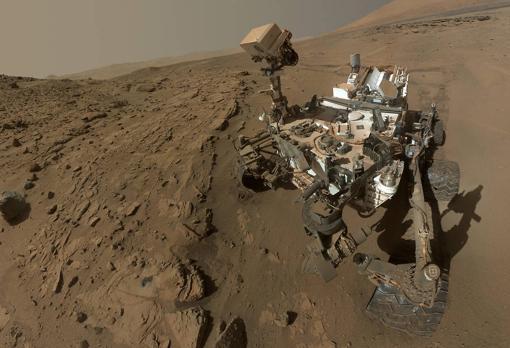 Autorretrato del rover Curiosity. En la actualidad ivestiga una antigua región hidrotermal de Marte
