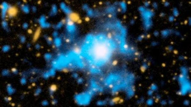 En la imagen, de 2014, se observa con claridad la materia difusa que existe en el espacio entre galaxias