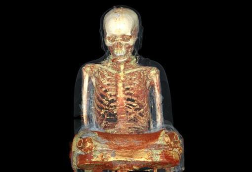 Tomografía computerizada de la estatua de Buda (s. XI-XII)