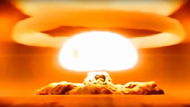 Detonación de la «Bomba del Zar», la mayor explosión causada por humanos en toda la historia. Levantó un hongo de 64 kilómetros de altura