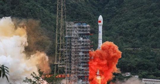 Un cohete Long March despega del Centro de Lanzamiento de Satélites Xichang en Xichang, en la provincia de Sichuan, suroeste de China, en junio de 2020