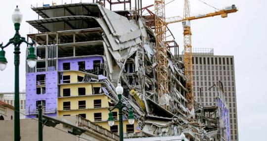 Imagen del colapso del Hard Rock Hotel, en Nueva Orleans