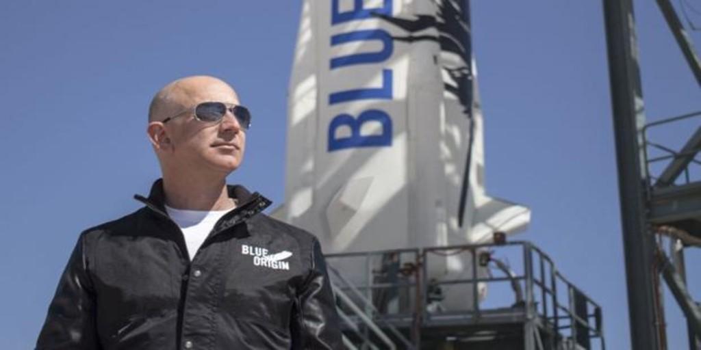 Jeff Bezos viajará al espacio en el primer vuelo tripulado de Blue Origin