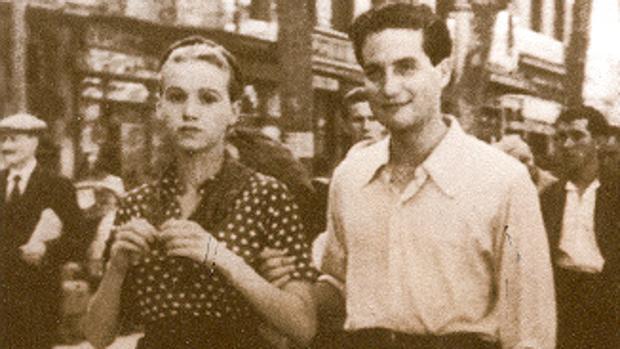 Octavio Paz y Elena Garro pasean por Barcelona en 1937