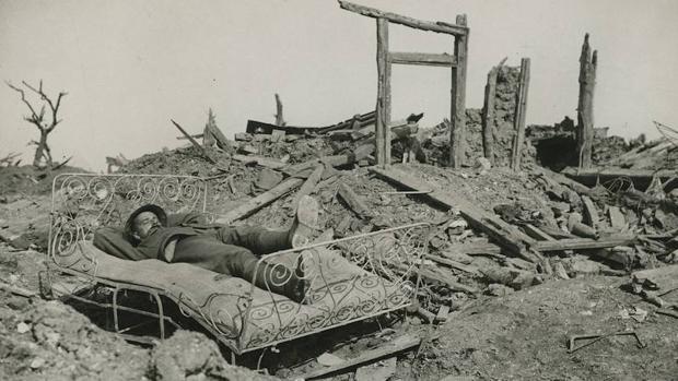 Imagen de la I Guerra Mundial, en la que el autor de «La Vida cósmica» participó como cabo-camillero