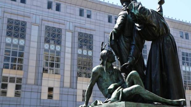 La estatua «Early Days» retirada en San Francisco por racista