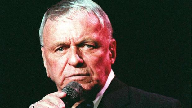 Frank Sinatra, durante una actuación en Londres en 1992