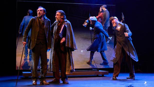 Juan Codina, Chema Adeva y Jorge Kent, en una escena de «Luces de bohemia»
