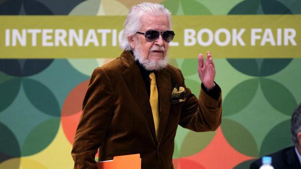 El escritor mexicano Fernando del Paso, en la Feria dle Libro de Guadalajara