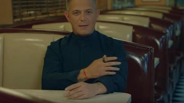 Imagen del videoclip «No tengo nada», deAlejandro Sanz