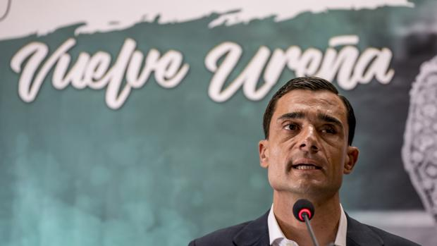 Paco Ureña, durante la rueda de prensa en Valencia