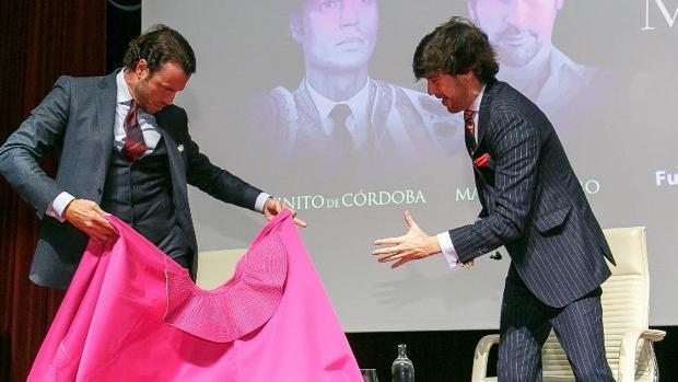 Finito de Córdoba torea al compás del cante de Manuel Lombo