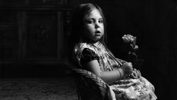 «La niña #de la rosa», fotografía de 1959