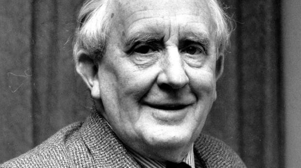 El escritor J. R. R. Tolkien