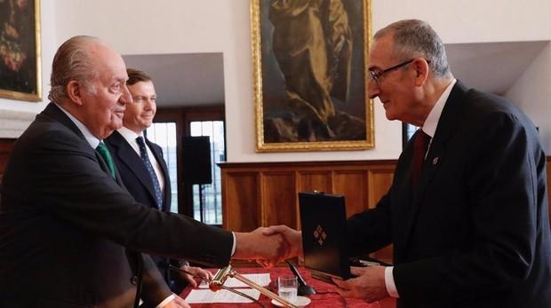 Don Juan Carlos preside la entrega del Premio Ordenes Españolas 2019 al historiador Miguel Ángel Ladero